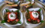 En-cas oeufs pochés, jambon, tomates et haricots verts