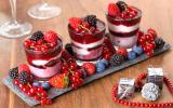 Comment faire des verrines de Noël sucrées pour un dessert chic et facile ?