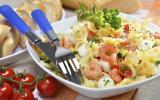 Salade de pâtes courgette, tomate et crevettes