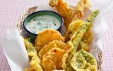 Légumes en tempura au curcuma, sauce yaourt-menthe