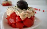 Tomates à la mousse de thon pour enfants