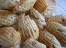 Petites madeleines salées jambon-pistache