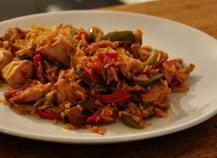 Poêlée aux deux poivrons, poulet, riz basmati et sauce soja