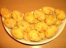 Mini-madeleines au saumon fumé et ciboulette maison