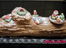 Bûche de Noël aux marrons glacés et aux chocolats