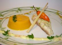 Filets de daurade gingembre citronnelle, purée de patate douce au curcuma, sauce coco curry