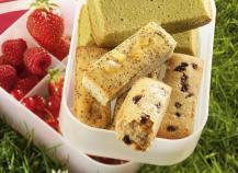 Mini cakes aux pruneaux... pavots/gingembre... thé Matcha