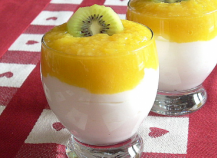 Mousse lègère au coulis de mangue
