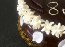 Gâteau d'anniversaire chocolat chantilly