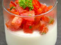 Panna cotta au chèvre et son tartare de tomates