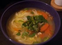 Soupe thai aux légumes croquants