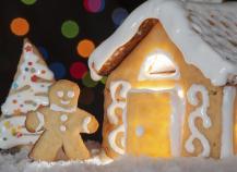 Maison de Noël en pâte sablée aux épices