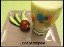 Smoothie mangue avocat et lait d'amande