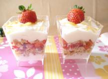 Verrines de fraises au palet breton maison