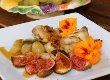 Cailles rôties aux figues et aux raisins muscats