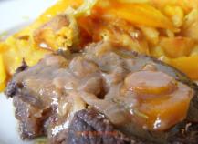 Recette joues de boeuf aux pices aux carottes et aux raisins 750g - Joue de porc en cocotte minute ...