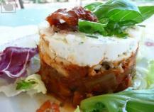 recette rouleaux d aubergine tomates confites et ch vre frais au miel en vid o. Black Bedroom Furniture Sets. Home Design Ideas