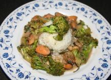 Brocolis aux moules, épices et lait de coco
