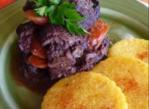 Boeuf aux carottes, polenta aux piments d'Espelette