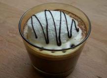 Ile flottante au chocolat chaud