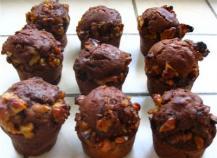 Brownie surprise  à la courgette, aux dés de poivron confit et au piment d'espelette