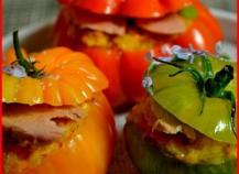 Tomates glacées au dahl et au thon