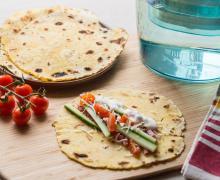 Comment faire des wraps avocat houmous et crevettes 12 - Comment faire des tortillas ...