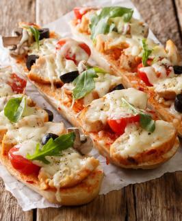 Pizza baguette à la mozzarella
