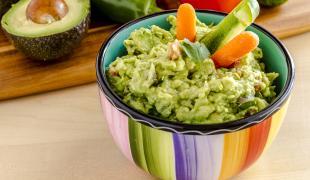 14 trucs trop sympas à rajouter dans son guacamole