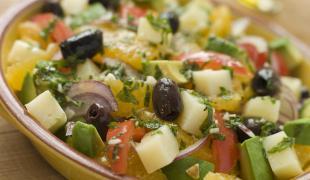 10 idées recettes à réaliser avec un bocal d'olives vertes ou noires
