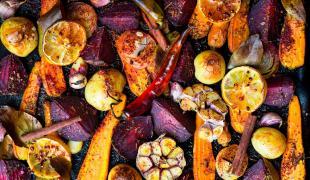 PAS BEURK : Ces 15 légumes qui sont meilleurs rôtis au four