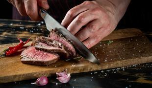 Plus de 12 ans :  J'apprends à tenir un couteau et couper comme un chef