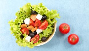 Ces 10 salades sont bien meilleures avec des croûtons