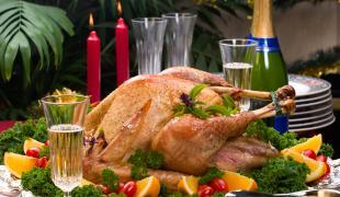 Estomac et ligne au top : je mange quoi avant un gros repas de fête ?