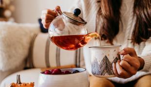 Sommeil, digestion, etc. : les idées reçues sur le thé enfin vérifiées