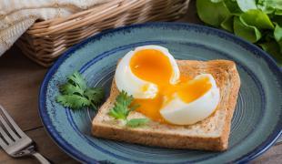Quelle cuisson pour réussir un oeuf mollet ?