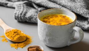 Commencez la journée plus tôt avec ce golden latte