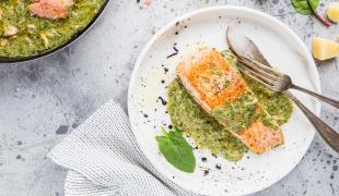 Aïoli, beurre, vin blanc : nos 10 meilleures sauces pour accompagner le poisson