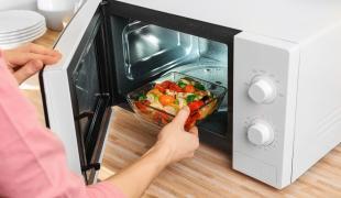 La cuisson au four à micro-ondes est-elle bonne pour notre santé ?