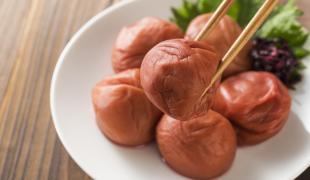 6 légumes marinés pour garnir nos sushis