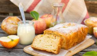 Les recettes faciles de gâteaux au yaourt aux pommes