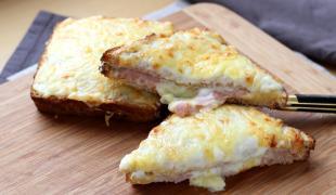Le croque-monsieur : histoire et recette d'un sandwich très parisien