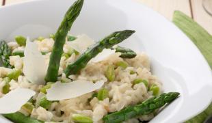 C'est le printemps : 3 façons originales de cuisiner les asperges