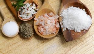 Sel fin, gros sel, fleur de sel : quel type pour quel usage ?