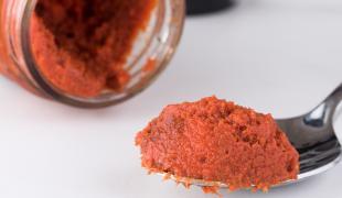 3 idées pour terminer ce pot de pâte de curry rouge