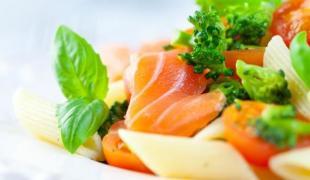 5 salades trop chouettes avec du saumon fumé