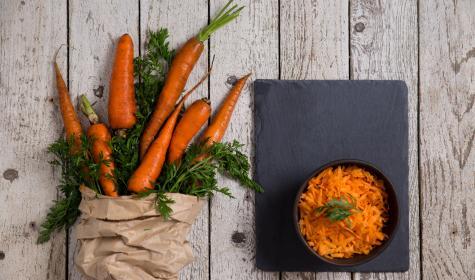 Carottes en vrac vs barquette de carottes râpées : pourquoi une telle différence de prix ?