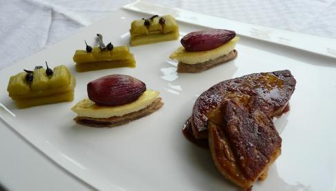 recette foie gras de canard juste po l compot e de rhubarbe vanill e aux poivres chalotes. Black Bedroom Furniture Sets. Home Design Ideas