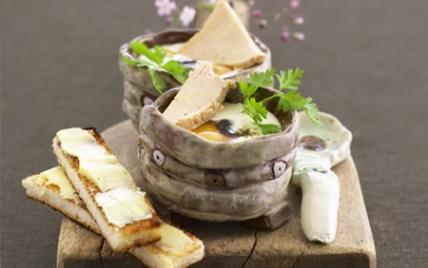recettes des oeufs cocotte au foie gras les recettes les. Black Bedroom Furniture Sets. Home Design Ideas