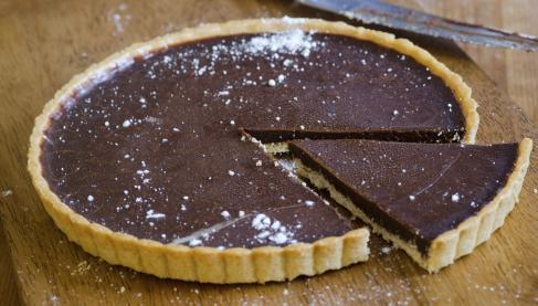 recettes de tarte au chocolat les recettes les mieux not es. Black Bedroom Furniture Sets. Home Design Ideas